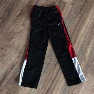 Nike boys athletic pants sz 6!